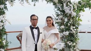 Bulan Madu, Sammy Simorangkir Pamer Foto Istri Pakai Bikini. Netter Heboh