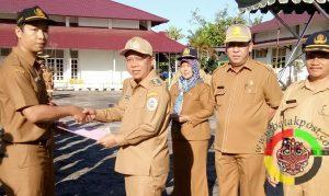 Wakil Bupati Serahkan 180 SK PNS Tapteng