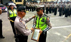 Polantas yang Dipukul Oknum TNI Dapat Penghargaan