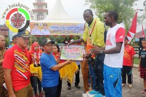 Atlit Kenya Borong Juara Lomba Lari 10K Tapteng